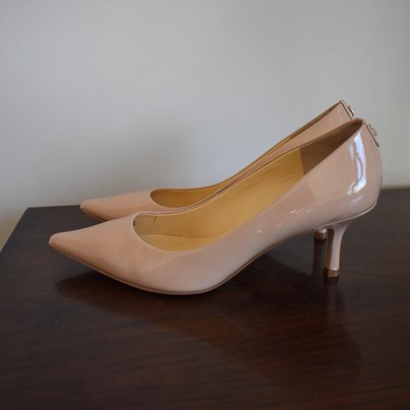 36b01db82a6d Ivanka Trump Shoes - Ivanka Trump Boni 7 - Size 8